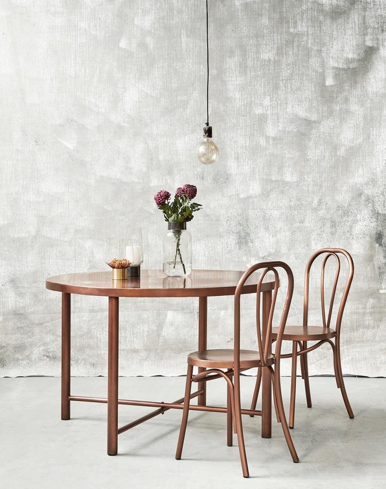 Rustikke spiseborde fuldender den nordiske stil