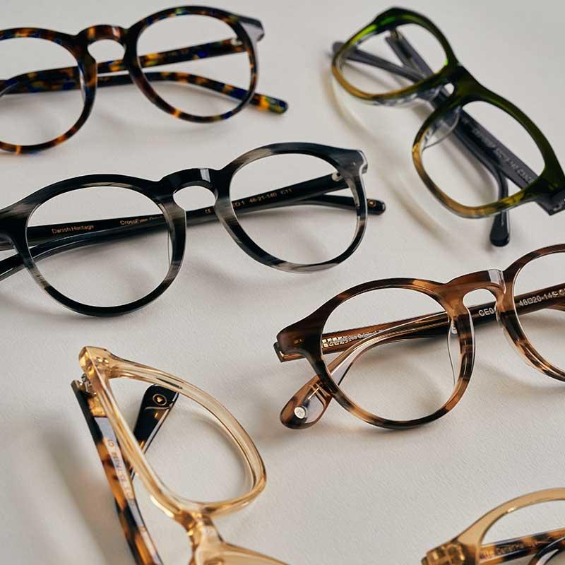 Køb smarte briller hos CrossEyes